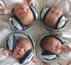 Какую лучше музыку слушать новорожденному младенцу: классическую или современную?